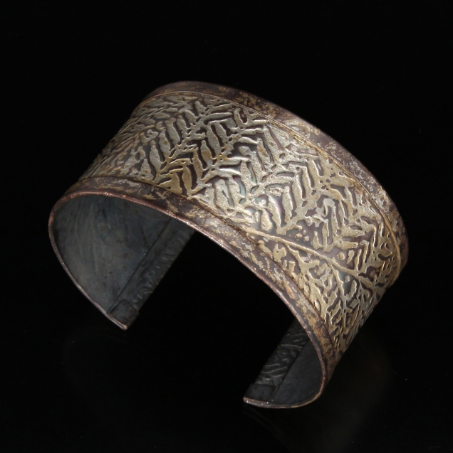 Fern Cuff with Guilder's paste